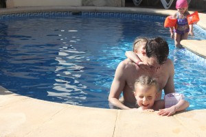 Zwembad van Vistamar prima, ook voor jonge kids